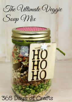 Get the recipe for the ultimate veggie soup mix in a jar. Get the recipe for the ultimate veggie soup mix in a jar. Plus learn how to use a wood burning tool to make a gift tag. Dry Soup Mix, Soup Mixes, Spice Mixes, Mason Jar Crafts, Mason Jar Diy, Homemade Soup, Homemade Gifts, Canning Recipes, Soup Recipes