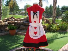 Aprons - Full - Womens - Retro - Queen of Hearts - Sweetheart - Southern Belle - Scarlet Chic Sassy  Apron