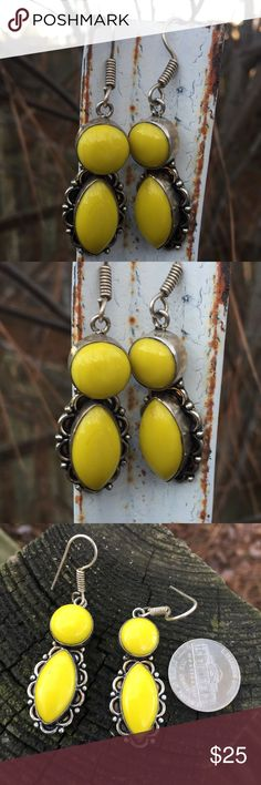 Yellow agate earrings NWOT Sterling silver earrings with yellow agate gemstones. Irregularities are to be expected with natural gemstones. Wear these on a rainy day to brighten your day 💛💛💛 Jewelry Earrings