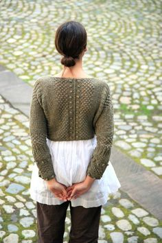 pattern 'Reseda' from Elle Tricote Paris blog site and can be purchased in kit form, yarn and pattern. This is a wonderful site and I don't know what to select first... just lovely!