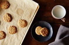 Honey–Almond Sesame Cookies Recipe on Honey–Almond Sesame Cookies, a recipe on - substitute brown rice syrup for the honey to make vegan, gluten-free Easy Cookie Recipes, Sweet Recipes, Dessert Recipes, Vegan Desserts, Vegan Treats, Easy Recipes, Healthy Recipes, Gluten Free Sweets, Gluten Free Cookies
