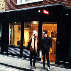 Supreme is my favourite shop here in London with Primark and TopShop! It's hard to find the street (peter street) but I always enjoy to go there! I bought a grey sweat and a grey panel that I love so much for have a casual look! Look at the two hipsters who waiting in front of the shop, I love that ! :)