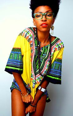 Edgy and vibrant fashion, for african pattern lovers Ethnic Fashion, Look Fashion, Urban Fashion, World Of Fashion, African Fashion, African Style, African Beauty, Street Fashion, Divas