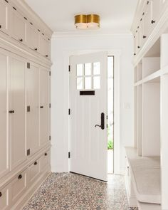 Loves this side entrance...storage, doors, floor & light