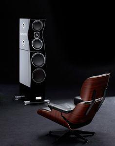 Fine loudspeaker called the [:Meisterstück] with 50mm diamond tweeter from surrounTec™ - the Swabian loudspeaker manufactory