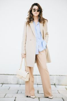 1 COAT 3 OUTFITS - Lovely Pepa by Alexandra. Light blue shirt+blush wide-leg pants+ivory pumps+camel coat+ivory Chanel chain shoulder bag+sunglasses. Winter Business Outfit 2017