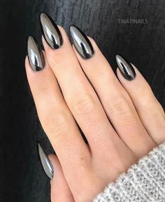 Fresh And Trendy Ways Of Matching Your Prom Nails Colors With Your Dress - Nageldesign - Nail Art - Nagellack - Nail Polish - Nailart - Nails Metallic Nails, Black Nails, Chrome Nails Silver, Chrome Nail Colors, Chrome Nail Art, Blue Nail, Gradient Nails, Matte Gel Nails, Silver Acrylic Nails