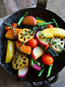 秋野菜とりんごの ホッと♪サラダ Vegan Meal Prep, Healthy Cooking, Healthy Dinner Recipes, Vegetarian Recipes, Food Design, Chef Recipes, Cooking Recipes, Vegan Cafe, Cafe Food