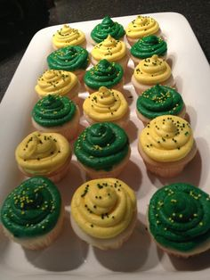 Mini cupcakes for a John Deere birthday party