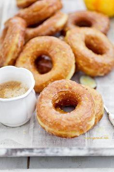Oponki drożdżowe Yeast Donuts, Doughnuts, Polish Recipes, Polish Food, Poke Cakes, Dessert For Dinner, Snacks, Dessert Recipes, Desserts