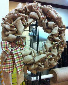 Ruffled burlap and homespun wreath tutorial from Jubilee Fabric.  Christmas or fall wreath.
