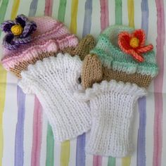 Cupcake Mittens knitting project by Lorna M | LoveCrochet