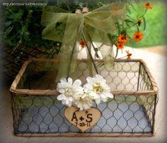 Wedding card basket @Kimberly Nentwich