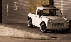 Classic mini pick-up. Mini Cooper S, Mini Cooper Classic, Classic Mini, Classic Hot Rod, Vans Classic, Mini Trucks, Cool Trucks, Bmw Truck, Mini Morris