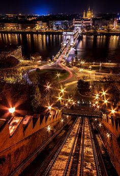 Night view over Danube - Széchenyi Chain Bridge, Budapest, Hungary...