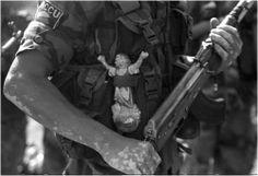 Otros rostros del conflicto. / Fotos Jesús Abad Colorado