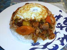 Un repas simple et typique del'ÎleMaurice,   la cuisine sino-mauricienne est parfumée et très appréciée.   Ce plat complet est très po...