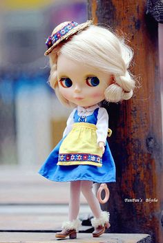 IMG_8776 by FanFan ♥ Blythe, via Flickr I'm feeling like clogging....you want to???