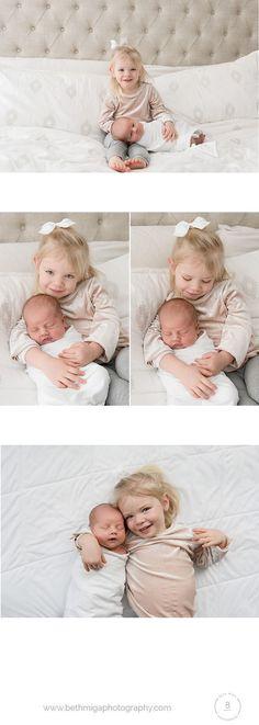 newborn and sibling pose ideas | in home newborn session | lifestyle newborn session| newborn on bed | natural newborn session | boston newborn photographer