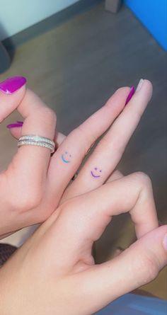 Cute Little Tattoos, Tiny Tattoos For Girls, Tattoos For Women, Matching Friend Tattoos, Best Friend Tattoos, Bestie Tattoos Bff, Tattoo Friends, Cute Matching Tattoos, Finger Tattoos