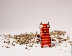 """Брошь ручной работы """"Кот с рыбкой"""" / Brooch handmade """" Cat with fish""""  #ручнаяработа #handmade #вдохновение #inspiration  #украшение #jewelry"""