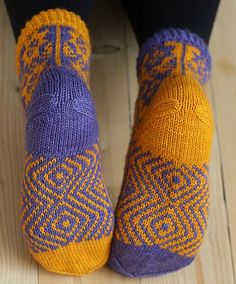 Ravelry: Floribunda pattern by Erika Guselius