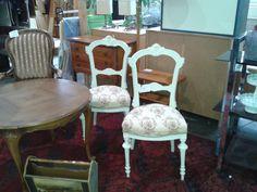 Stühle bei HIOB Olten  #Schnäppchen #Trouvaille