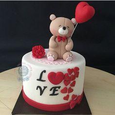 Valentines Baking, Valentine Desserts, Valentine Cake, Beautiful Cakes, Amazing Cakes, Aniversary Cakes, Cute Birthday Cakes, Cake Decorating With Fondant, Heart Cakes