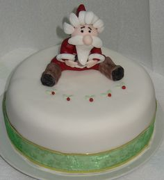 Santa christmas cake Santa Christmas, Cakes And More, Birthday Cakes, Celebration, Desserts, Food, Meal, Anniversary Cakes, Deserts