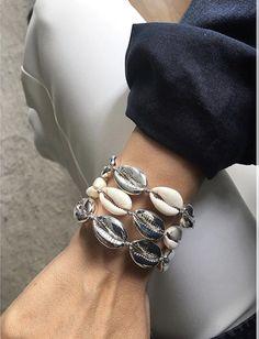 Coming your way! Shell Bracelet, Shell Jewelry, Shell Necklaces, Jewelry Necklaces, Jewelry Trends, Jewelry Accessories, Bohemian Bracelets, Beach Wear, Jewelery