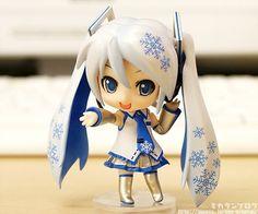 VOCALOID- Snow Miku original. ver Nendoroid