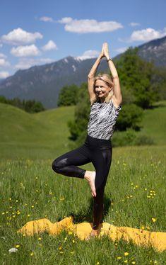 kombiniert Bikram Yoga, Anti Aging, Fitness, Style, Recipe, Riding Bikes, Strength Workout, Athlete, Health