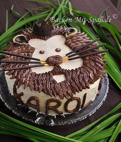 Ich habe wieder eine Motiv- Torte gemacht. Diesmal war es eine Torte in der Form eines Löwenkopfes. Die Torte lässt...