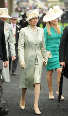 ROYAL ASCOT LADIES DAY 2013 | Princess Anne and daughter-in-law Autumn Phillips