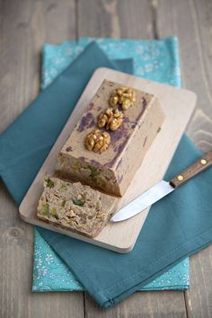 Vegetable terrine with nuts - Vegetal Pate Recipes, Raw Food Recipes, Vegetarian Appetizers, Vegetarian Recipes, Vegetarian Pate, Vegan Pate, Healthy Food Alternatives, Xmas Food, Mousse