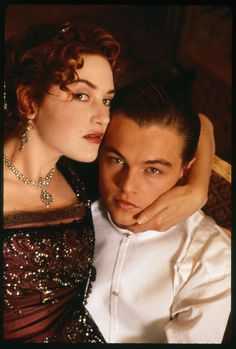 A gallery of Titanic publicity stills and other photos. Featuring Kate Winslet, Leonardo DiCaprio, James Cameron, Billy Zane and others. Leonardo Dicaprio Kate Winslet, Kate Winslet And Leonardo, Young Leonardo Dicaprio, Jack Dawson, Titanic Le Film, Titanic Rose, James Cameron, Cameron Diaz, Leo And Kate