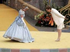 A Disney princess and a Disney queen. Cinderella and Julie Andrews Disney Nerd, Disney Love, Disney Magic, Disney Parks, Walt Disney World, Julie Andrews, Disney And Dreamworks, Disney Pixar, Cinderella Disney