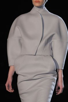 Sculptural Fashion // Grey structured top and skirt // Thierry Mugler Fall 2013 - Details