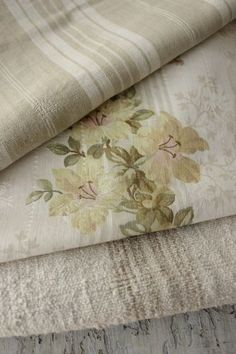 New rustic linen closet french country 69 Ideas French Country Fabric, French Country Bedrooms, French Country Living Room, French Fabric, French Country Cottage, French Country Style, French Country Decorating, Country Décor, Bedroom Country