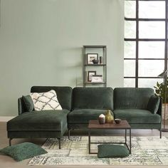 Cozy Living Rooms, Living Room Sofa, Home Living Room, Living Room Decor, Velvet Corner Sofa, Velvet Sofa, Velvet Cushions, Appartement Design, Green Home Decor