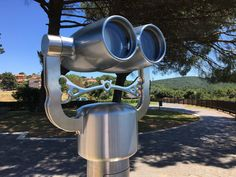 Vellardi's best seller It is an ageless binoculars, able to be perfectly integrated both in modern locations as well as in historical sites. Iphone Background Images, Love Background Images, Historical Sites, Telescope, Binoculars, Natural, Banff, Nature, Au Natural