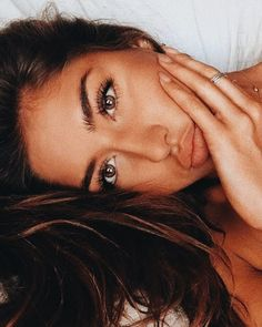 Cool 44 Brilliant and Simple Make Up Ideas To Make Your Look So Amazing. More at… Cool 44 Brilliant and Simple Make Up Ideas To Make Your Look So Amazing. Makeup Inspo, Makeup Inspiration, Makeup Ideas, Makeup Tutorials, Makeup Hacks, Makeup Goals, Body Inspiration, Beachy Makeup, Glam Makeup