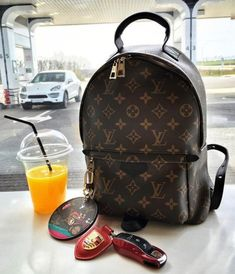 2017 Latest Louis Vuitton Handbags For Styling Tips Pay Western Union Get Discount Buy More Discount More Shop Now! 2017 Latest Louis Vuitton Handbags For Styling Tips Pay Western Union Get Discount Buy More Discount More Shop Now! Chanel Handbags, Fashion Handbags, Purses And Handbags, Fashion Bags, Tote Handbags, Women's Fashion, Fashion Purses, Fashion 2018, Fashion Trends