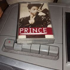 #Nowplaying #cassette The Hits 1 #Prince (Warner Bros, 1993) #audiocassette #cassettetape #cassettebandjes #cassettebandje #musiccollection #RIPPrince #PrinceRogersNelson #HisRoyalBadness
