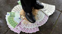 Davos     Pauvreté     Fiscalité  Economie En 2016, 1 % des plus riches possèdera plus que le reste de la planète