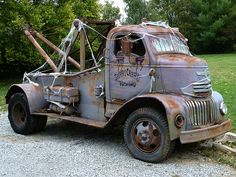 Vintage COE Cab over engine wrecking tow truck