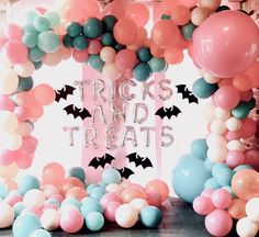 Trick or Treat: How to Celebrate Baby's First Halloween so fun!<br> Read on for some of the cutest costume ideas for babies… Happy Halloween, Modern Halloween, Pink Halloween, Halloween Birthday, Halloween Party Decor, Holidays Halloween, Halloween Kids, Baby Shower Halloween, Halloween Halloween