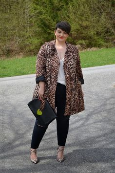 The Perfect Pair of Skinny Jeans (Curvy Claudia) Wedding Dress Black, Dresses To Wear To A Wedding, Fashion Looks, Curvy Fashion, Plus Size Fashion, Leopard Print Outfits, Leopard Print Coat, Cheetah Print, Curvy Outfits