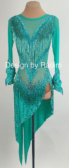 A collection of Latin Ballroom Dresses and Rhythm Dresses available for purchase. Latin Dance Dresses & Rhythm Competition Competitive ballroom dancing features the best of the best professional and amateur dancers in the world. Ballroom Costumes, Dance Costumes, Trajes Drag Queen, Latin Ballroom Dresses, Ballroom Dancing, Look 2018, Salsa Dress, Dance Fashion, Skating Dresses