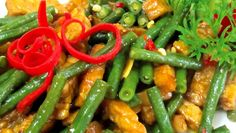 Recipe stir fried string beans with tempe A Food, Good Food, Food And Drink, Prawn Noodle Recipes, Breakfast Recipes, Dinner Recipes, Indonesian Cuisine, Stir Fry, Catering